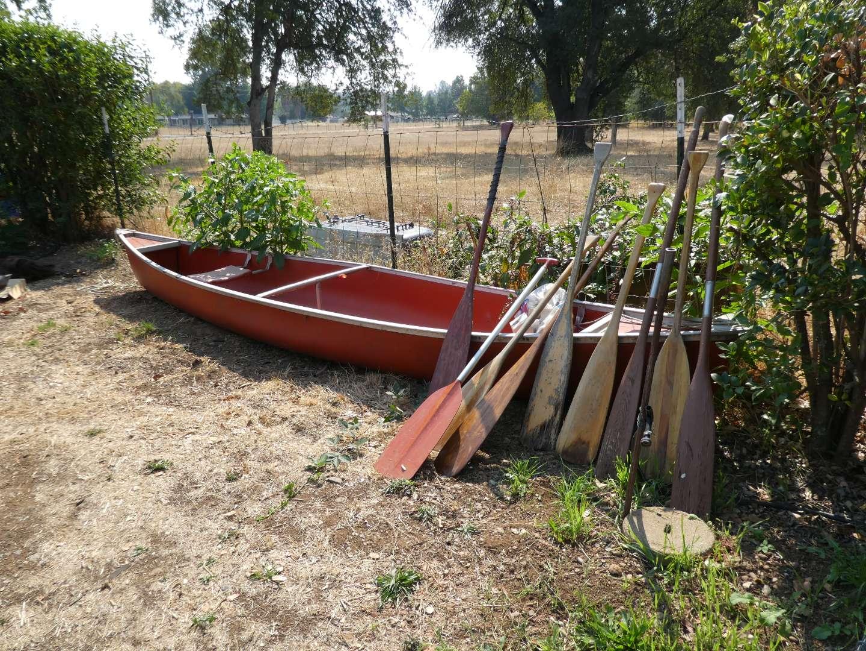 Lot # 223 - 17' Canoe With 9 Paddles (main image)