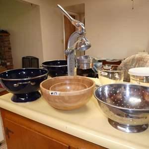 Lot # 17 -  Juicer, Pyrex measuring cups, Colanders, Ikea Bowls