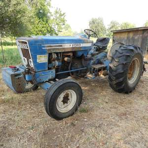 Lot # 101 -  Ford 6600 2WD Farm Tractor - Running - Watch Video