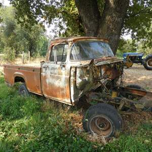 Lot # 102 - 1959 Ford F100 Truck for Parts 4 Wheel Drive
