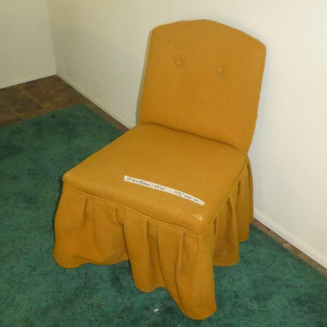 Lot # 166 - Adorable Vintage Vanity Chair  (main image)