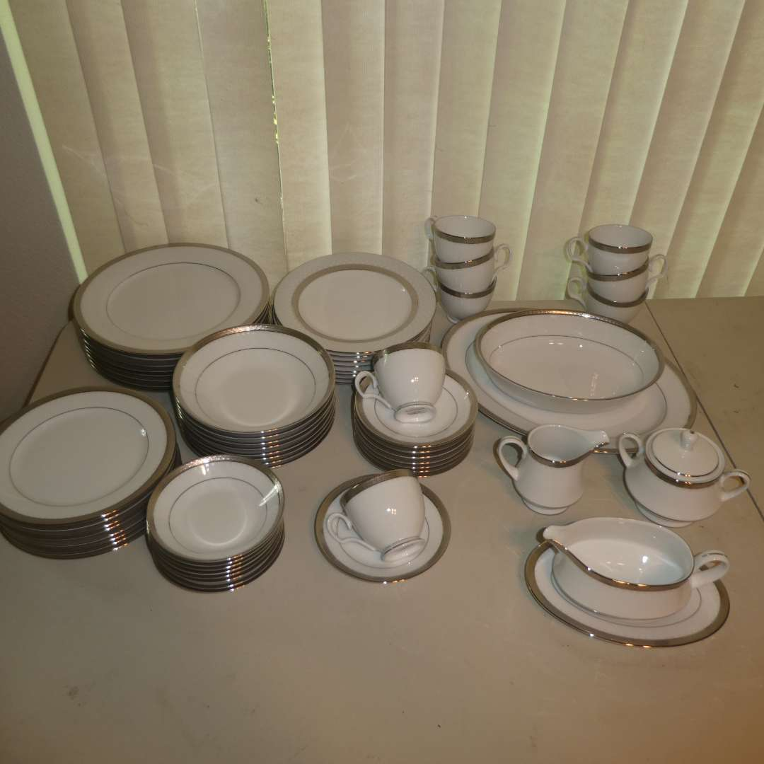 Lot # 174 - Contemporary Fine Chine By Noritake (62 Pieces)  (main image)