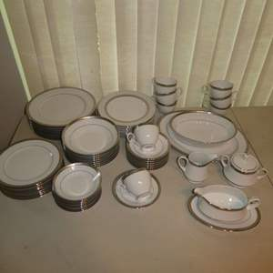 Lot # 174 - Contemporary Fine Chine By Noritake (62 Pieces)