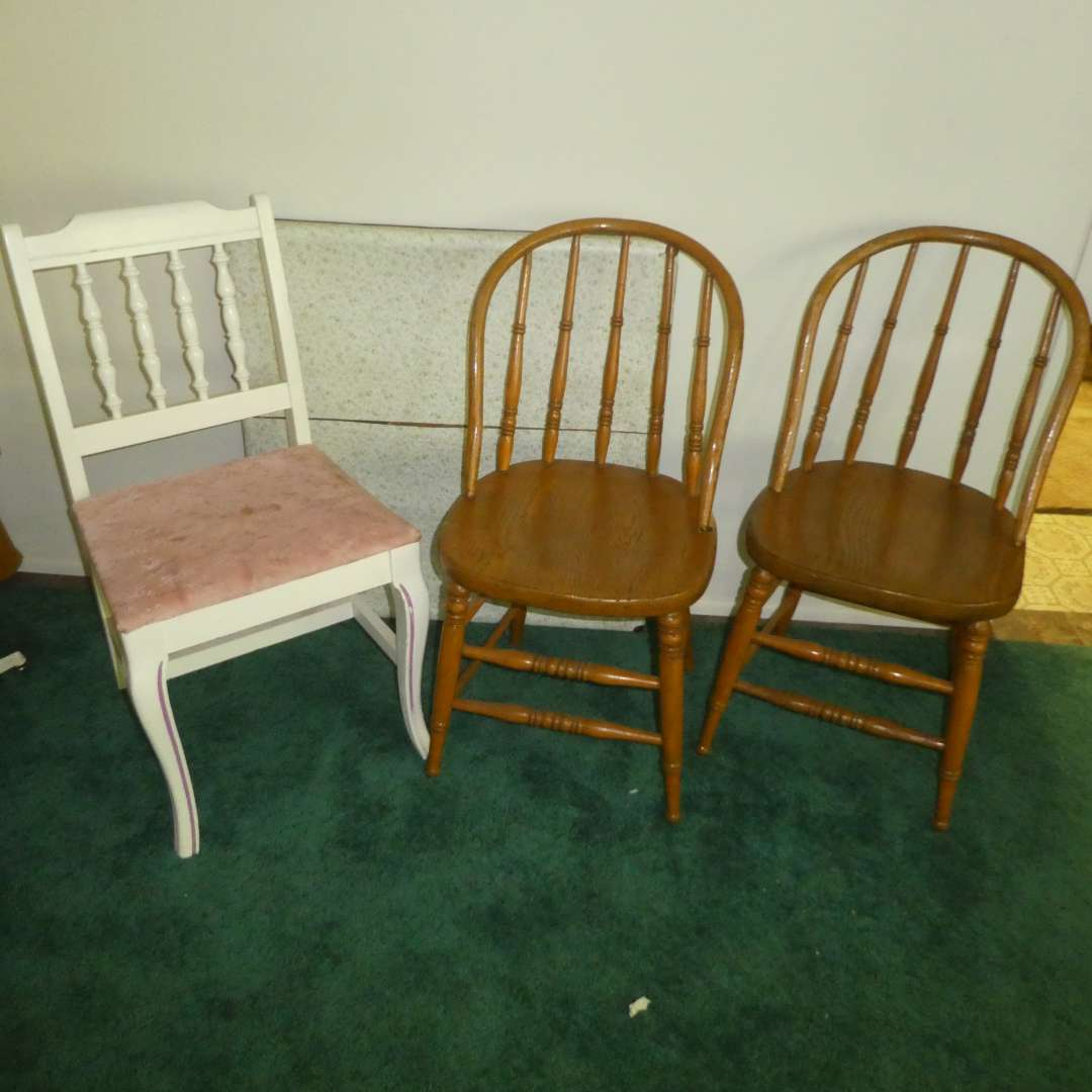 Lot # 126 -  Three Vintage Chairs (2 Oak) and Small Folding Table (Looks to Be Cut Down to Be Kids Table) (main image)