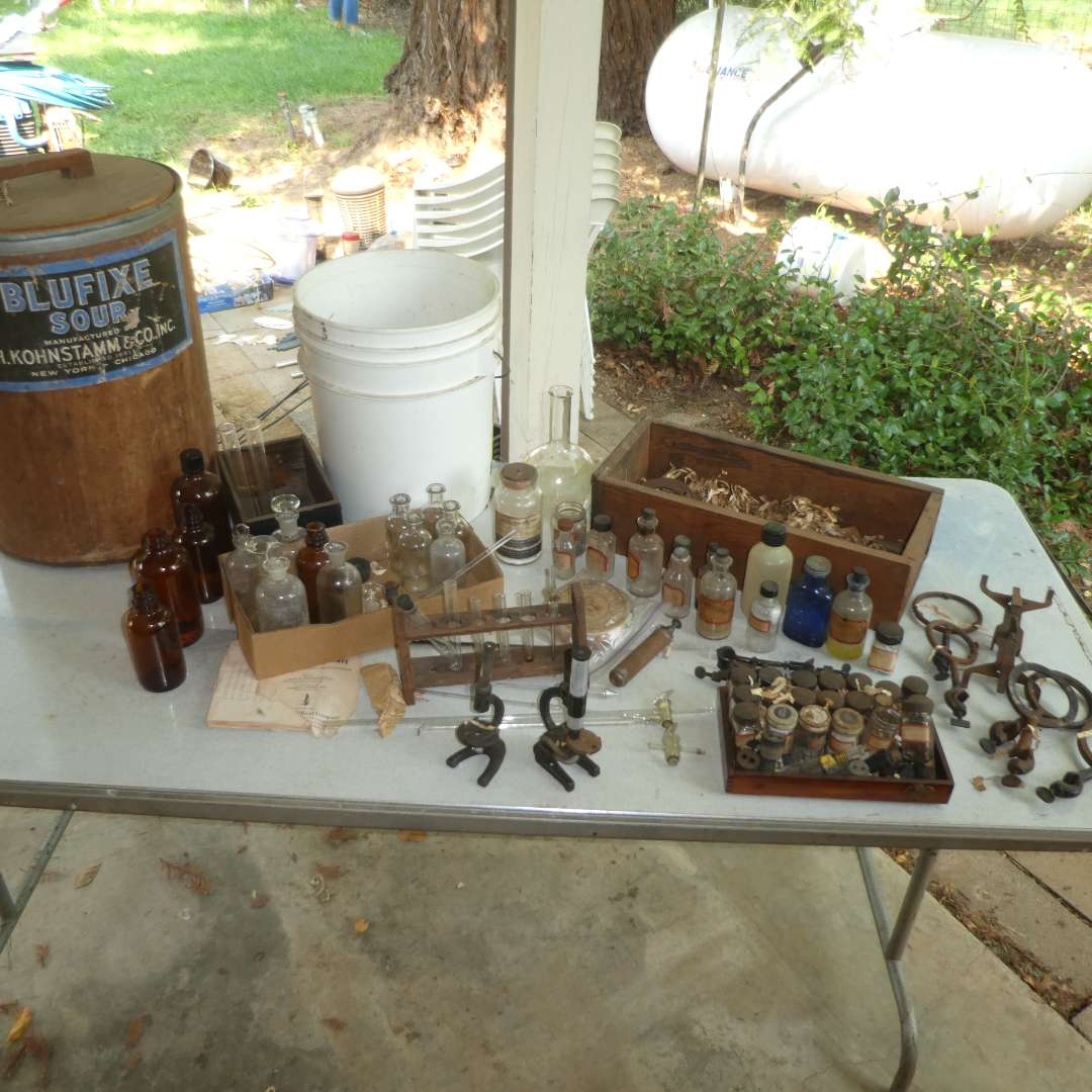 Lot # 133 - Vintage Apothecary/Chemistry Lot  (main image)