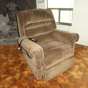 Lot # 50 -Beige Power Lift & Recline Chair Made by Golden - Works