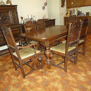 Lot # 55 - Vintage Wooden Extendable Dining Table w/Pull Out Leaves & 6 Chairs (For Restoration)