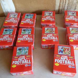 Lot # 411 - 10 Boxes Unopened NFL Football Wax Packs