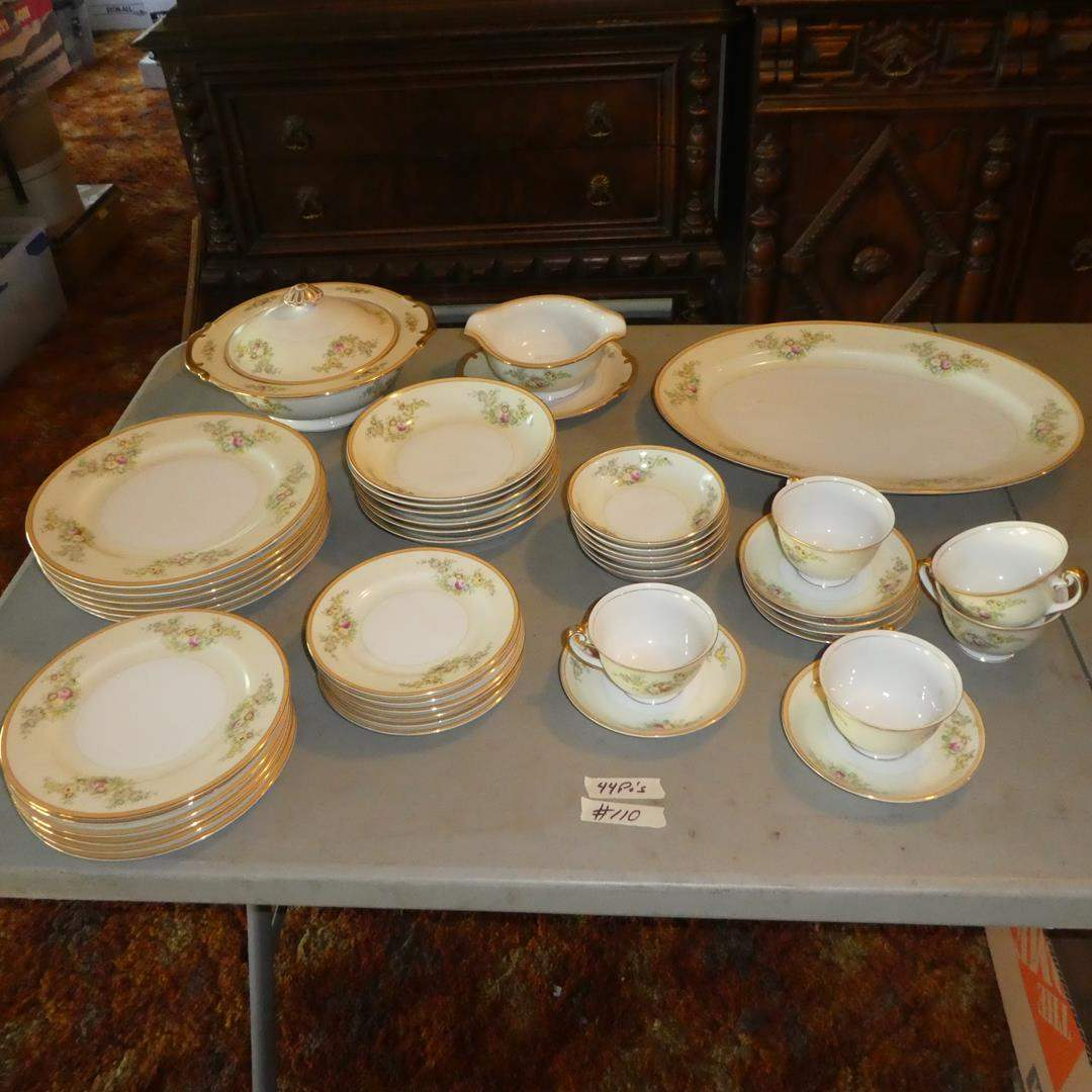 Lot # 110 - 44 Pieces Vintage Hand Painted Meito China Made in Japan (main image)