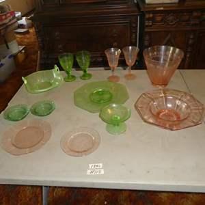 Lot # 118 - Vintage Depression Glass - 13 Pieces
