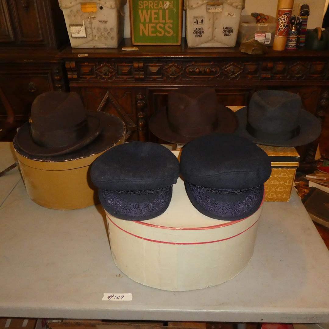 Lot # 129 - Men's Vintage Hats Collection & Hat Boxes (main image)