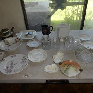 Lot # 133 - Vintage China, Teapots & Serving Pieces