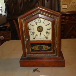 Lot # 137 - Antique Regulator Mantle Clock w/Key - Runs