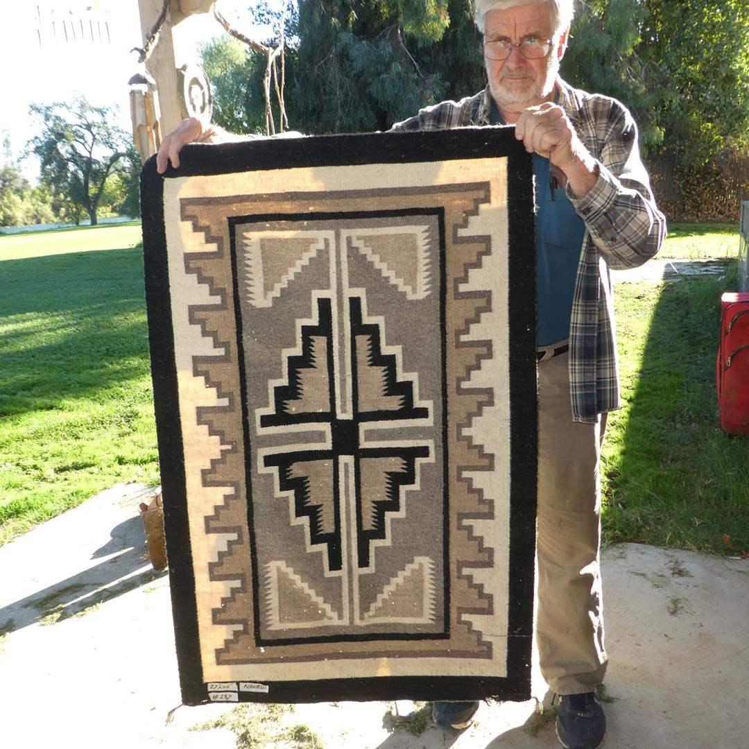 Lot # 287 - Vintage Navajo Rug (main image)