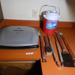 Lot # 13 - George Foreman Grill, Outdoor BBQ Tools, Rubbermaid Thermal Jug