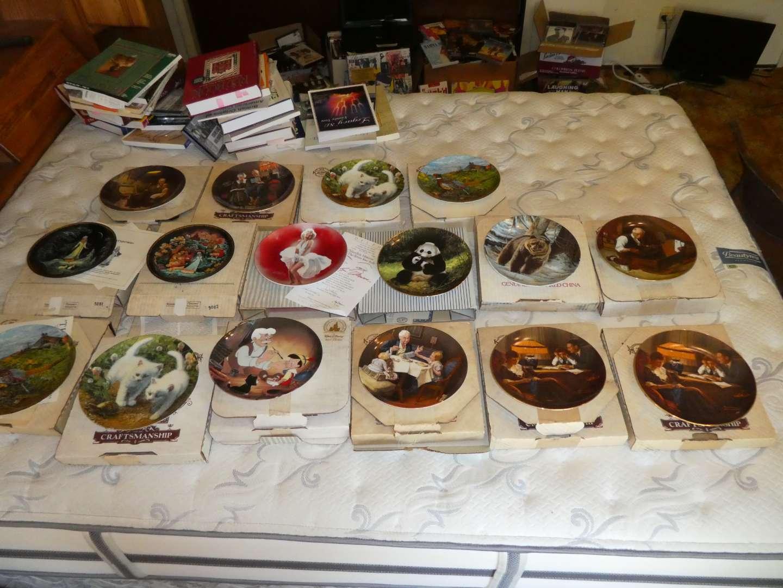 Lot # 18 - Decorative Plates (main image)