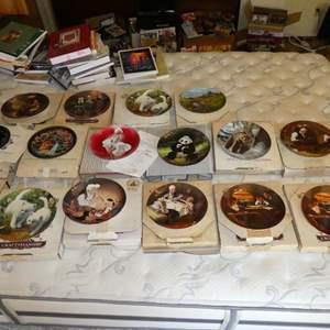 Lot # 18 - Decorative Plates