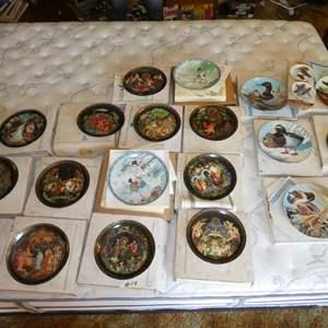 Lot # 19 - Decorative Plates