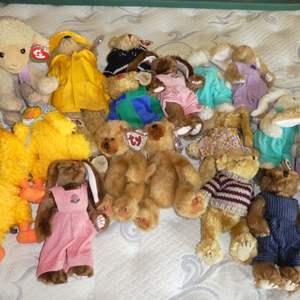 Lot # 23 - Beanie Babies
