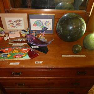 Lot # 31 - Vintage Hand Blown Fishing Floats And Sea Life Figurines