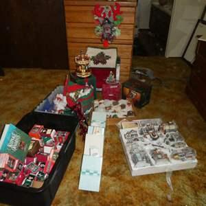 Lot # 33 - Christmas Decorations