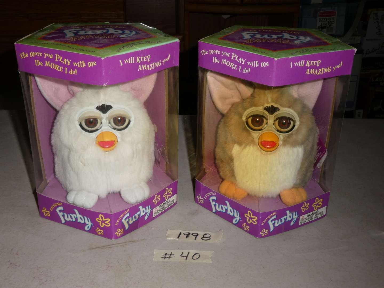 Lot # 40 - 1998 Furby Toys (main image)