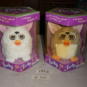 Lot # 40 - 1998 Furby Toys