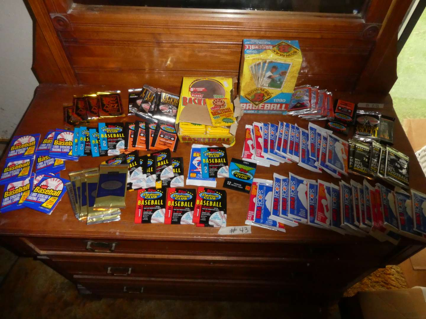 Lot # 43 - Sports cards from the 90's- Sealed Wax Packs (main image)
