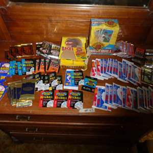 Lot # 43 - Sports cards from the 90's- Sealed Wax Packs