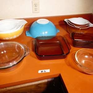 Lot # 6 - Pyrex Mixing Bowls And Bakeware