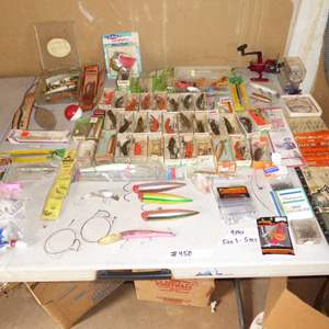 Lot # 450 - Variety of Fishing Lures
