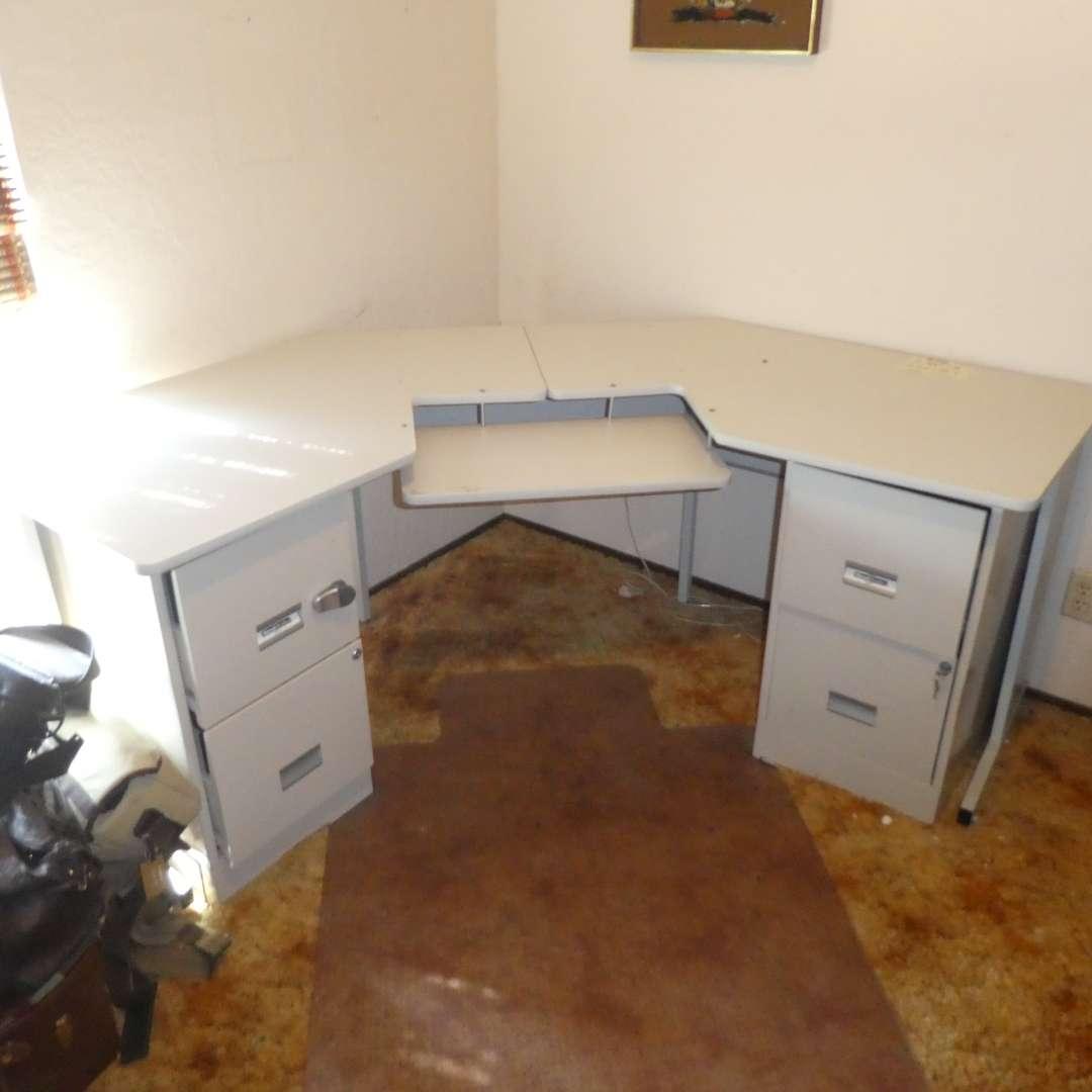 Lot # 156 - Large Corner Desk w/ Filing Cabinet Drawers w/ Keys (main image)