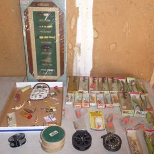 Lot # 453 - Fishing Lures of the 20th Century Display, Variety of Lures & Reel