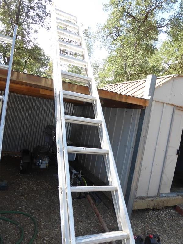 Lot #6 - Werner 28' Extension Ladder (main image)