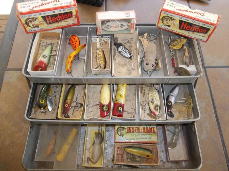 Vintage Fishing Tackle Box Heddon Lures (main image)
