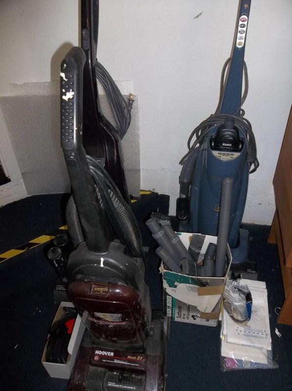 Lot of 3 Vacuums (main image)