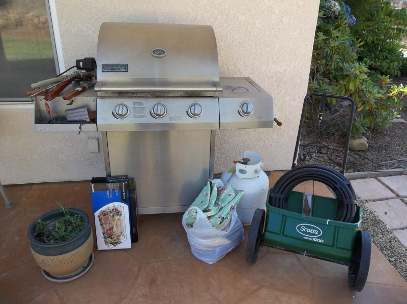 Propane BBQ, Lawn Speader, Flower Pots (main image)
