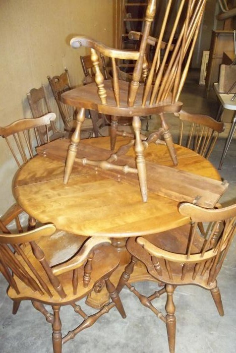 Vintage Maple Dinning Table & Chairs (main image)