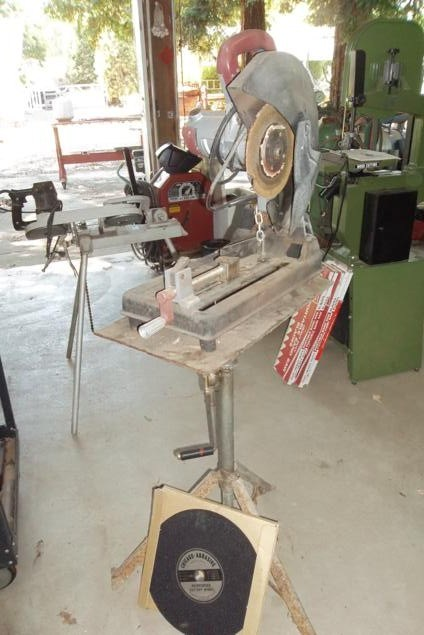 Chop / Cut-Off Saw on Stand, Extra Blades (main image)