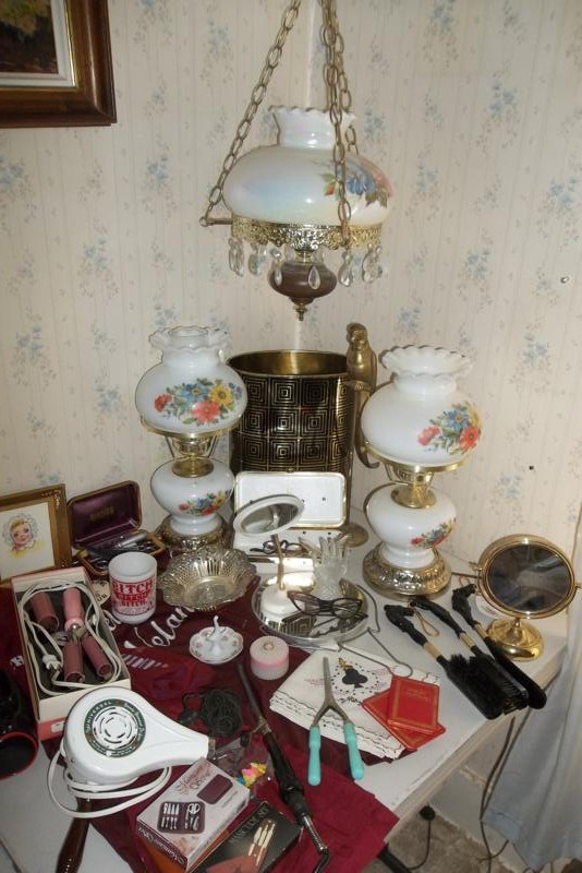 Ladies Collectibles - Vintage Lighting (main image)
