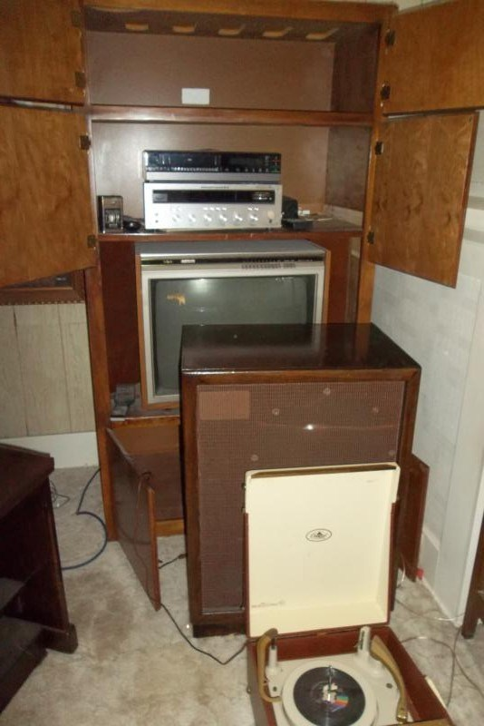 Vintage Marantz Stereo Receiver, Speaker, Cabinet, Old TV   (main image)
