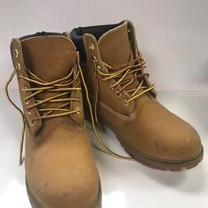 Lot # 33 - Dexter, Waterproof Men's Boots