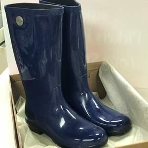 Lot # 53 - UGG Women's Shaye Rain Boots
