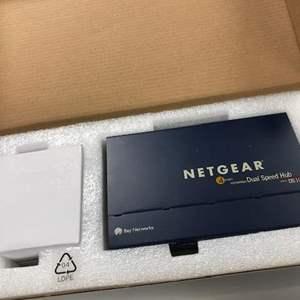 Lot # 8 - Netgear 4 Port 10/100 Dual Speed Hub