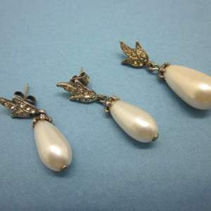Lot # 7 - Vintage Teardrop Earrings and Pendant Set with Diamond Accents