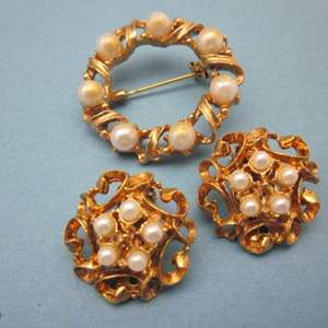 Lot # 25 - Vintage Clip on Earrings & Brooch, Gold Tone Color, with Pearl Like Stones