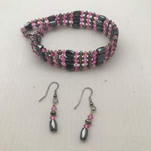 Lot # 26 - Magnetic Strand & Matching Earrings.  Versatile, Create Necklaces or Bracelets