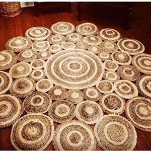 Lot # 48 - 6' Round Area Rug.  Three beautiful natural colors of Jute within this rug.