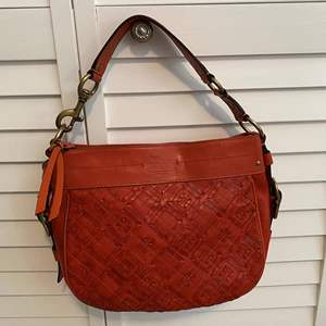 Lot #7- Authentic Coach Leather Handbag, Gently Used.