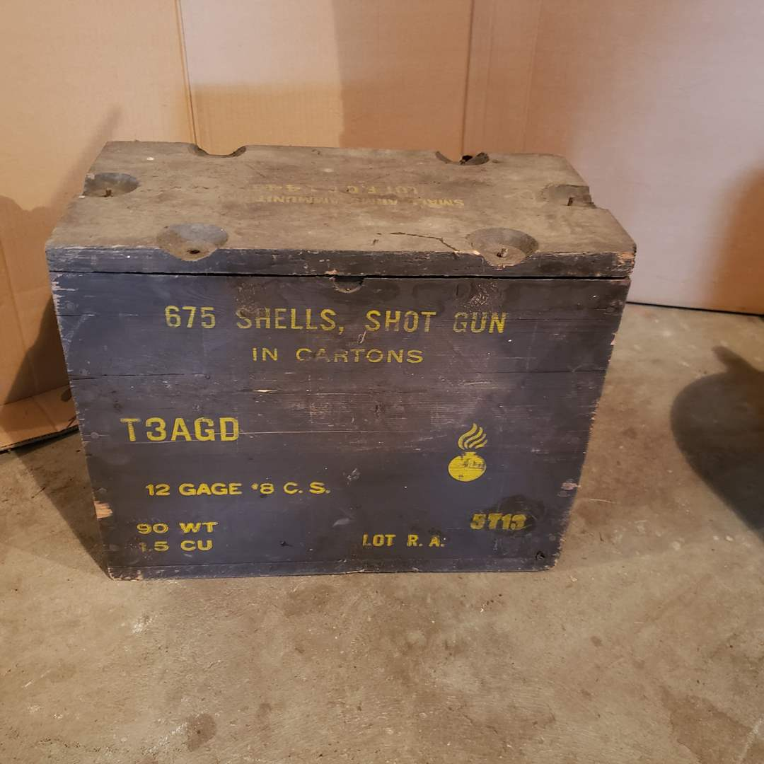 Lot# 6 - Vintage Shotgun Shells Box with Lid (main image)